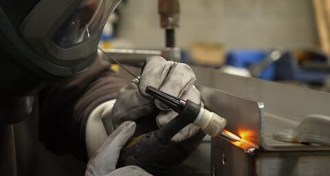 Hos QuickTube NMF Industries tilbyder vi svejseløsninger i rustfrit stål.