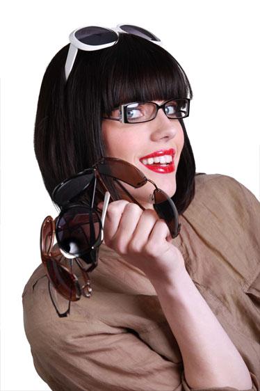 9a6bfce48c7f Profil Optik indfører abonnement med frit valg blandt brillerne i butikken.  Modelfoto  Colourbox. Profil Optik ...