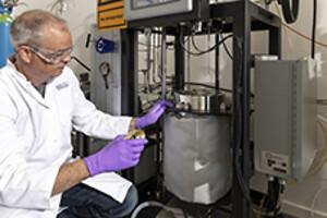 FACT-Lab, materialevalg, korrosion, højt tryk, høj temperatur, geotermi
