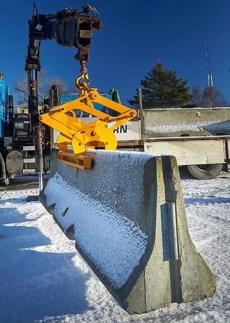 Lyftsaxar för lyft av barriärer i betong