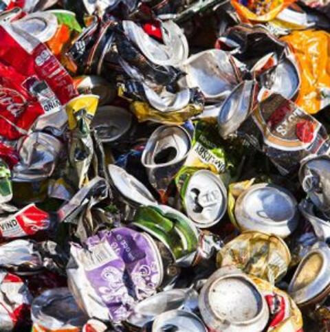 HJ Hansen modtager affald til genanvending  - Genvinding betyder at produkterne omdannes til nye produkter.