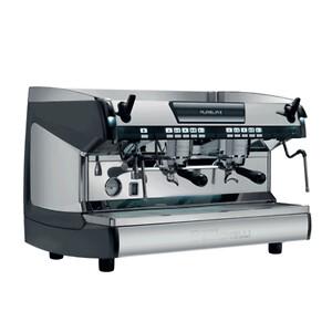 Nuova Simonelli espressomaskine til cafe