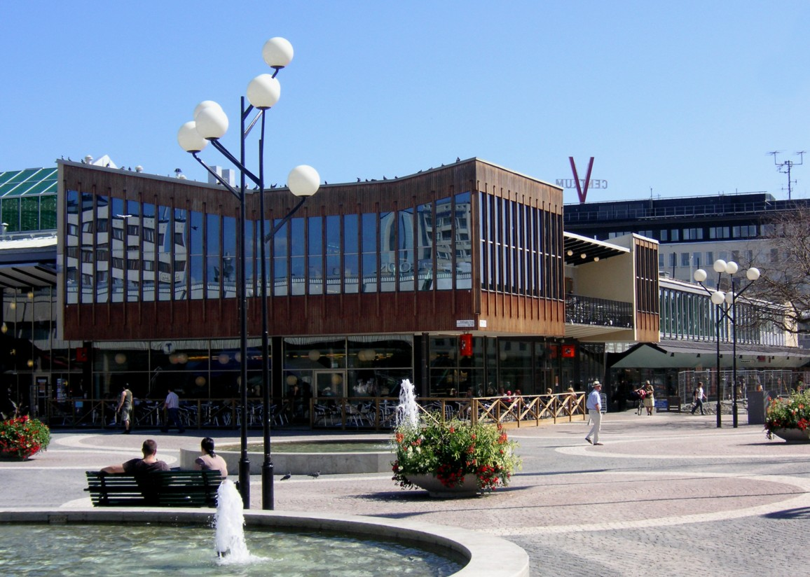385914b959a Öppnar för att sälja klassiskt centrum - Dagens Handel