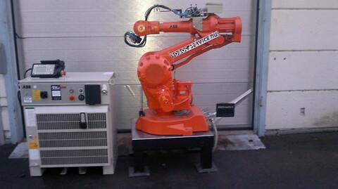 ABB robot IRB2400 S4C+ 16kg/1.5m M2000 FYND!!!