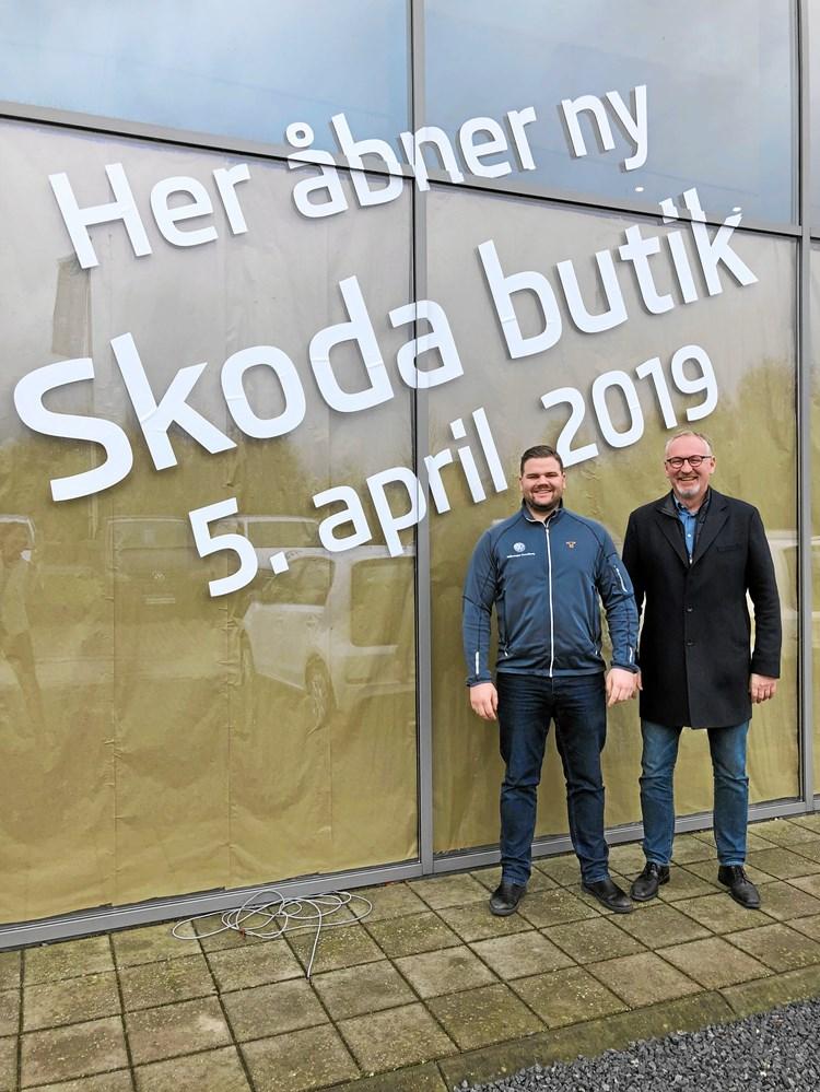 e82dadc3 Hans-Henrik Vilhelmsen (th) og Mads Dyhr står bag den nye Skodaforhandler i  Svendborg.