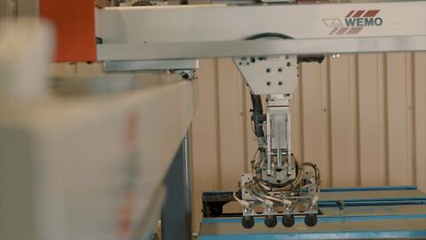 Plastproduksjon hos Mezonic - Plastproduksjon hos Mezonic