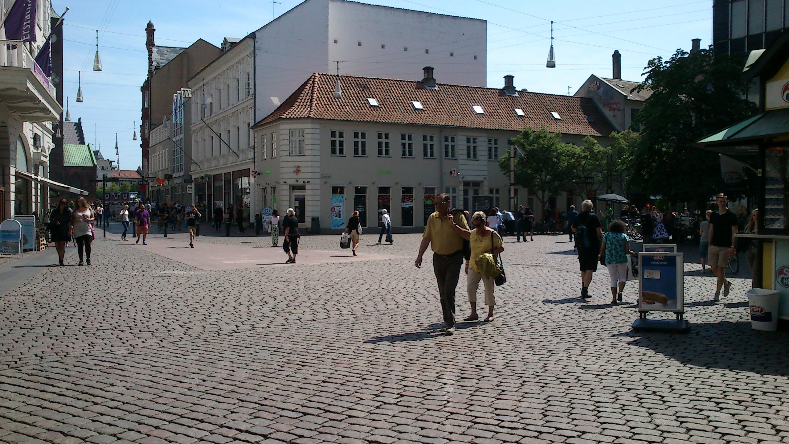 Illums Bolighus i Aarhus skulle have været åbent nu - Wood Supply DK