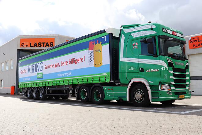 Kel-Berg 3 akslet  gardintrailer  fra Lastas