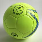 Klokkebold i fodbold størrelse