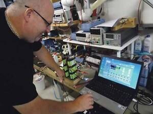 PCM-kredsløbet testes i den 1kWh store Li-Ion batteripakke, som i ultrakompakt - men sikkerhedsoptimeret - form bruges til fiskeindustrien