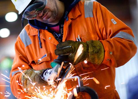 A Olufsen Ship & Offshore tilbyr platearbeid