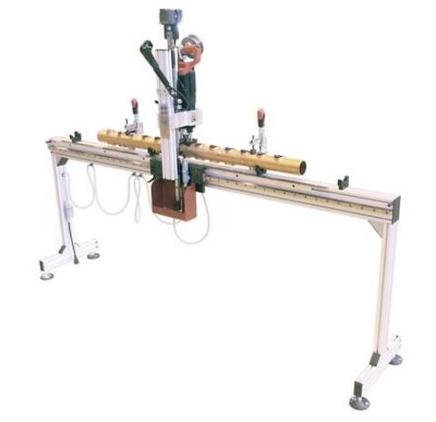 HFT-2000 - Semiautomatisk enhed til mindre produktion af T-DRILL røroptræk.