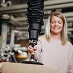 Ergonomiska vakuumlyftar från Movomech - Easyhand Pro för kartonghantering