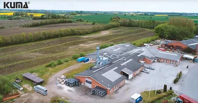 På KUMAs fabrik i Gadbjerg har de øget effektiviteten med en Winlet vakuumløfter fra GMV.