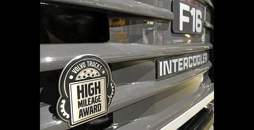 6fc1652bcb0a Volvo Trucks hylder vejens arbejdsheste - Transportmagasinet
