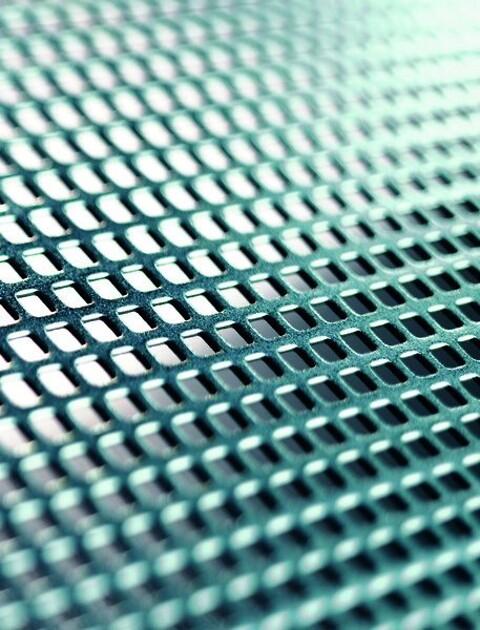 Perforering - Firkantede huller - Firkantede huller tilbydes placeret i parallelle rækker samt med diagonal eller forsat deling