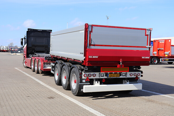 Kel-Berg 3 akslet 24 tons tipkærre fra Lastas