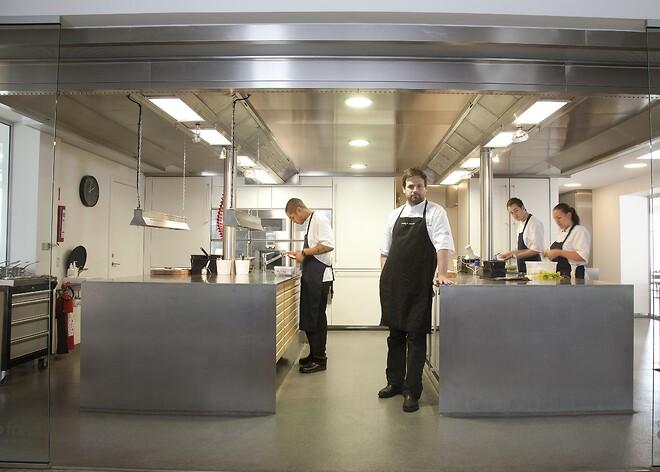 Køkkenloft hos Kähler Villa Dining