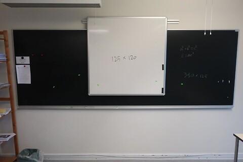 Whiteboard samt tavle