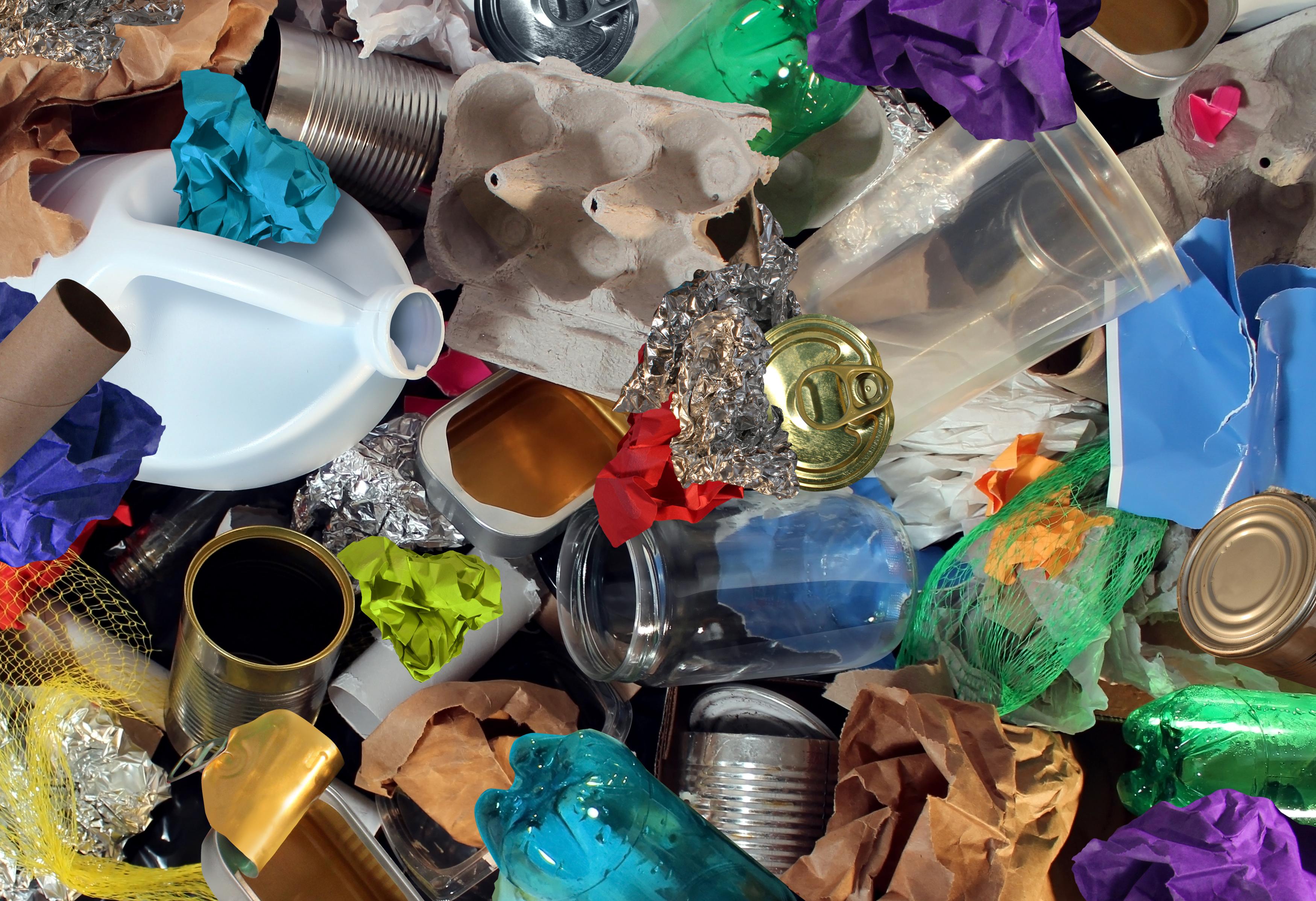 Svart att atervinna brittisk plast