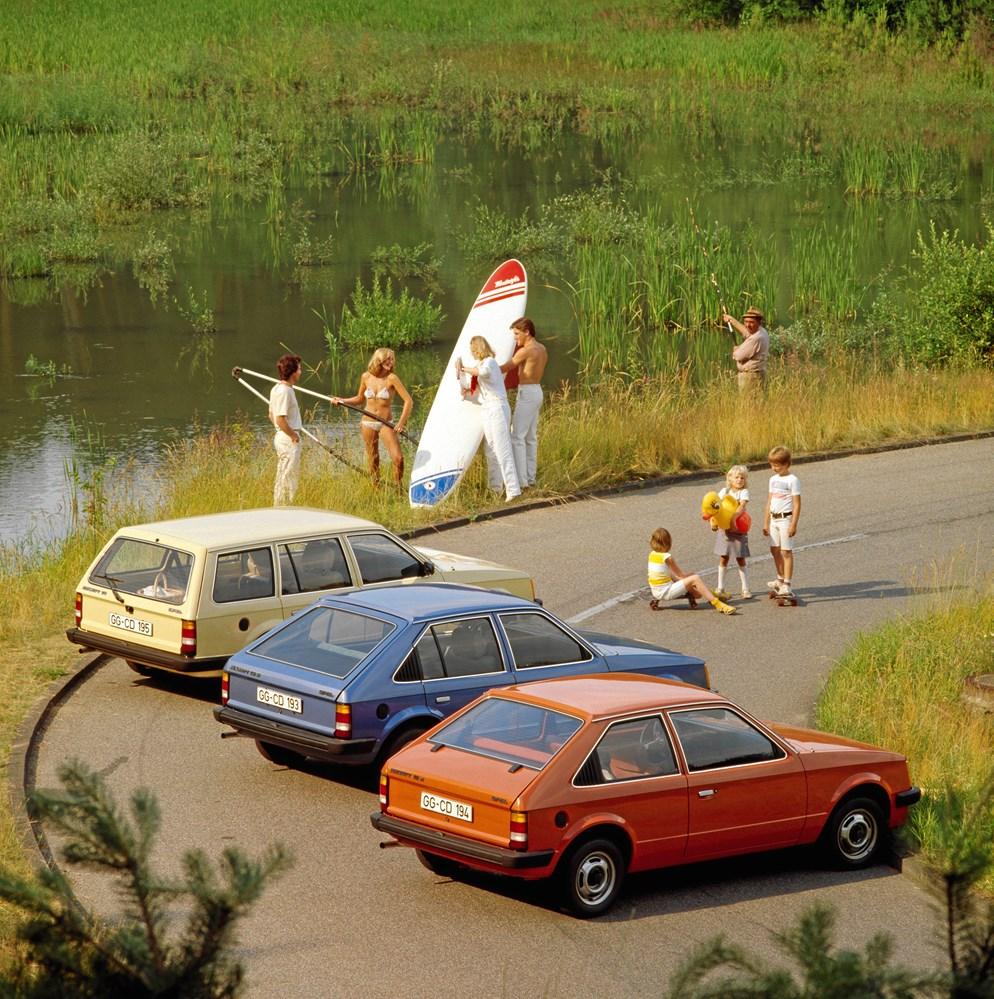 3f0b5d71869 Årets Bil i Danmark har kastet mange sjove reklamer af sig. Her fra Opel  Kadett i 1980.