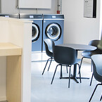 indretning kollegium møbler vaskeri fællesområder