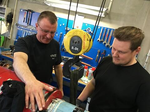 Reparation og service af hydrauliske cylindre - Reperation og service af hydrauliske cylindre \nHydraulik cylinder stort udvalg