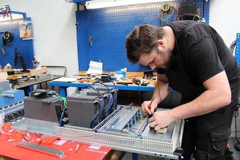 Retrofit av maskiner - påbygning av ny kontroll - Ny kontrol og ombygning av maskine