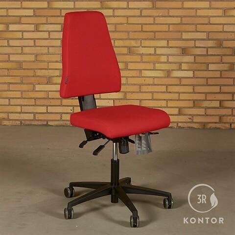 Duba B8 kontorstol i rødt stof. sort fod.