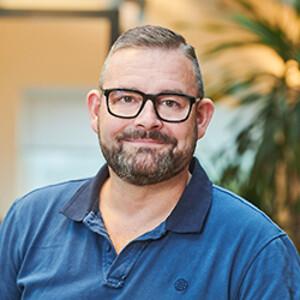 Jesper Christensen vender hjem til John Jensen VVS.