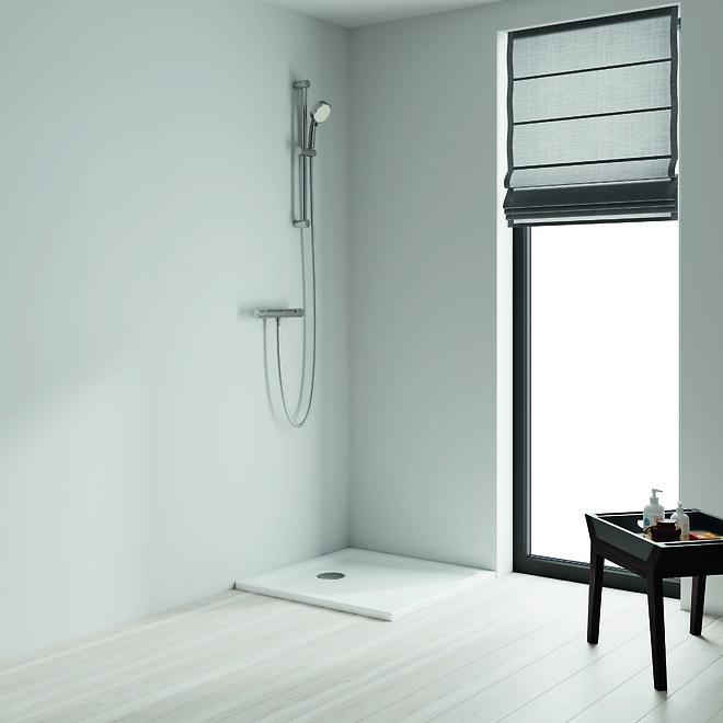 Badeværelse og brusesystem med Grohtherm Nordic termostat