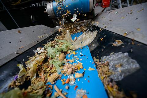 HCS tilbyder miljøvenligt genbrug af dit madaffald - fra affald til ren energi og gødning - HCS tilbyder miljøvenligt genbrug af dit madaffald - fra affald til ren energi og gødning