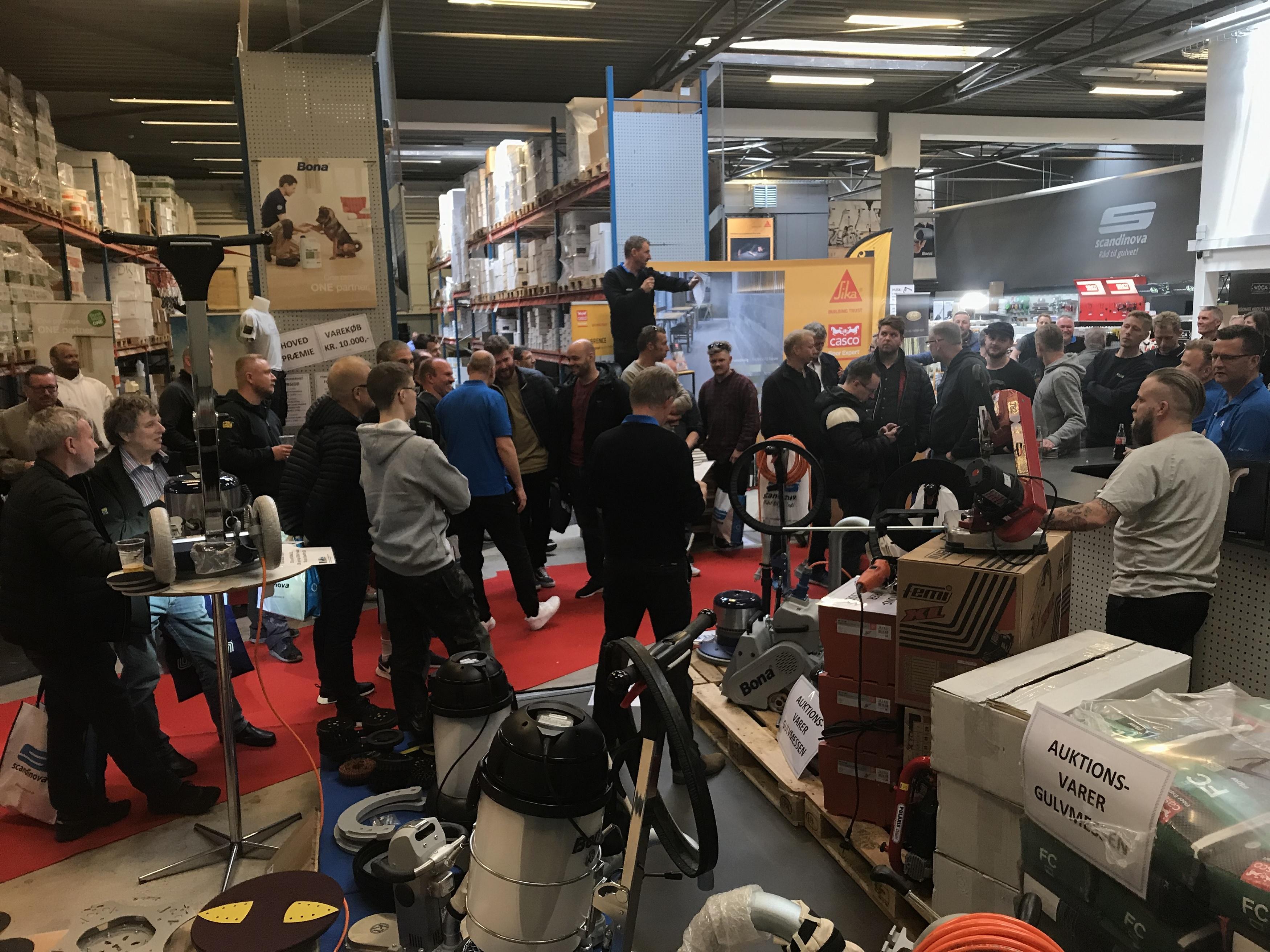 Super 600 håndværkere rundt på gulvet i Søborg - Mester Tidende ER45