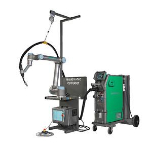 CoWelder med Sigma Select 400 vandkølet svejsemaskine med grafisk kontrolpanel og UR5 robotarm.