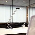 Arbejdslampe med forstørrelsesglas