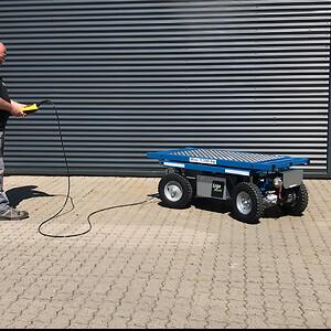 ErgoMover elektrisk transportvogn fås med kablet og trådløs fjernstyring.