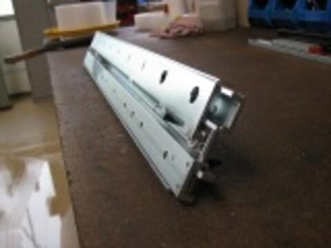 Teleskoperende skinne med innebygd stoppfunksjon fra Aluflex System