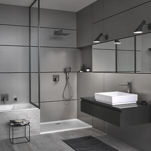 GROHEs Cube Keramik, Eurocube vandhaner og firkantede Rainshower SmartActive håndbruser suppleret med Cube tilbehør sikrer et sammenhængende design.