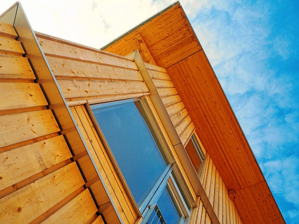c3b69768975 Fra et nyt boligbyggeri på Lisbjerg Bakke nord for Aarhus, hvis  trækonstruktion er et bæredygtigt bud på fremtidens bolig. (Foto:  Hustømrerne A/S)