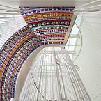Mosaik af Erik A. Frandsen på den ene af  Nordfløjens trapper