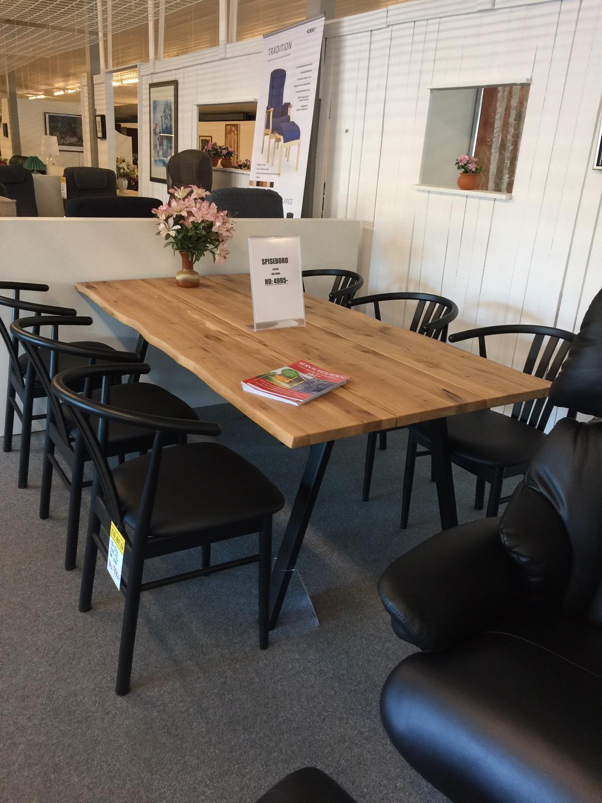 Pæn In2house har snuppet den første konkursberørte møbelbutik - Wood HR84