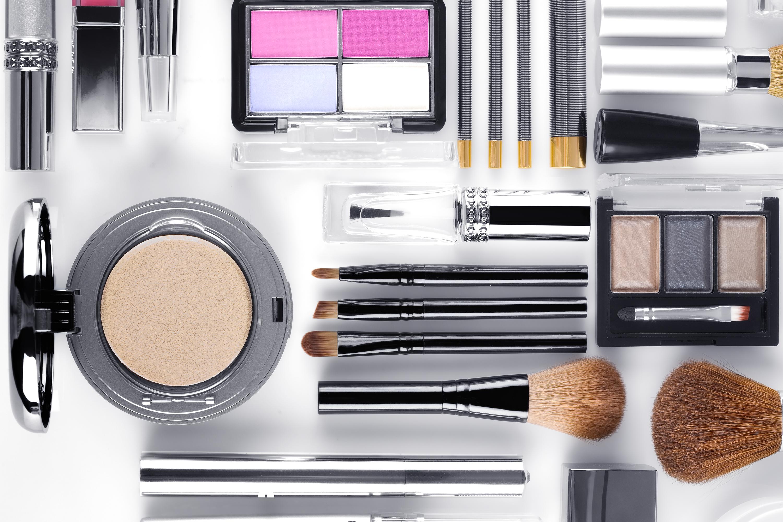 0f8bd700 Nu lanserar e-handlaren skönhetssortiment från 120 varumärken.