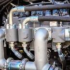 6.  Tre hydraulikpumper sørger for gennemløb af  836 liter olie