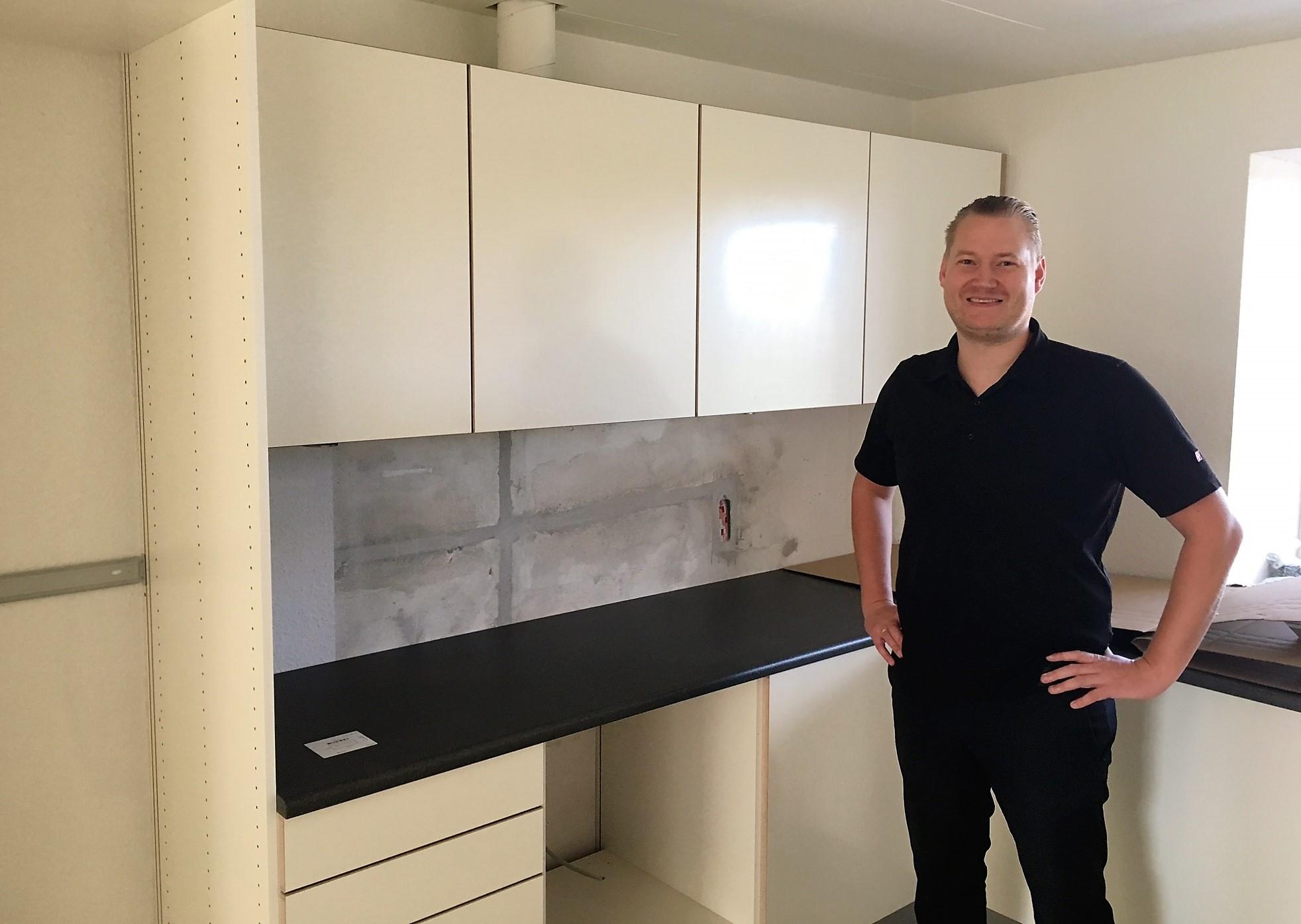 HTH leverer 100 køkkener til boligselskab - Wood Supply DK