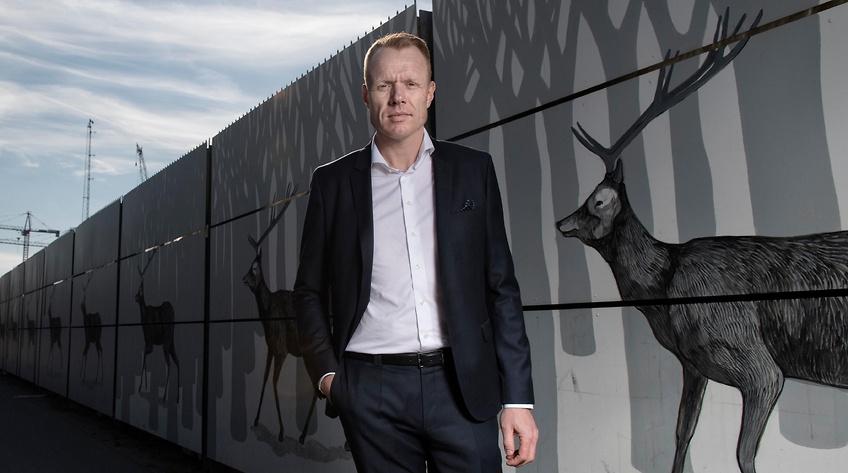 Flügger køber 1.100 ansatte for 208 millioner