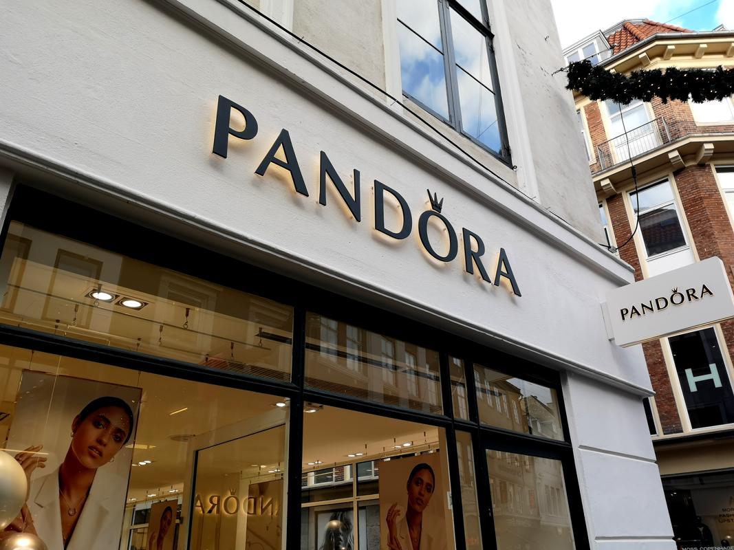 b37951bb4720 Analytiker  Pandora har svært ved at fange kunderne uden tilbud ...