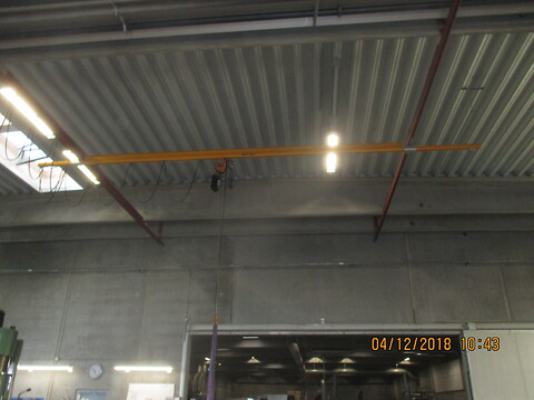 brugt komplet 500 kg letløbskran sælges af stålspecialisten