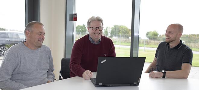 Jungets datateam mødes og byder velkommen til Lars Møller