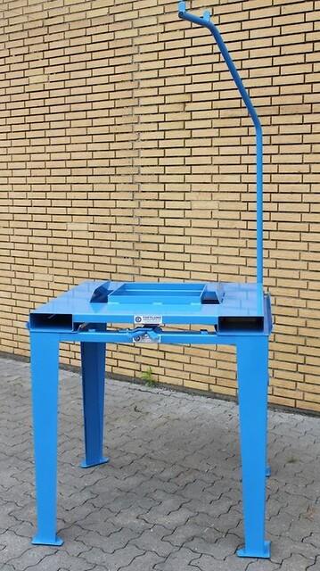 Toftlund maskinfabrik fremstiller flere typer af storsækkestativer.
