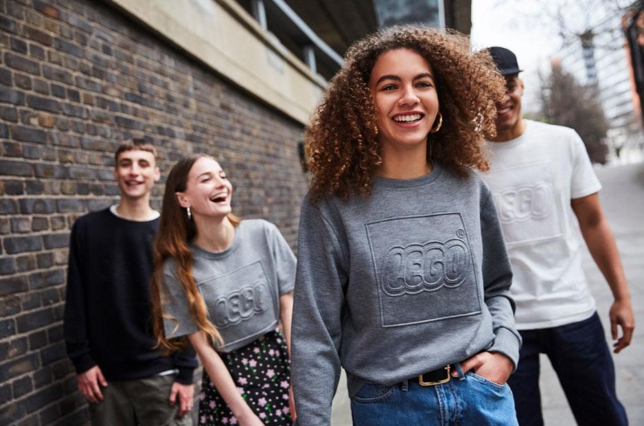 cef2cf9e8f2 Lego lancerer ny tøjkollektion på Snapchat - RetailNews